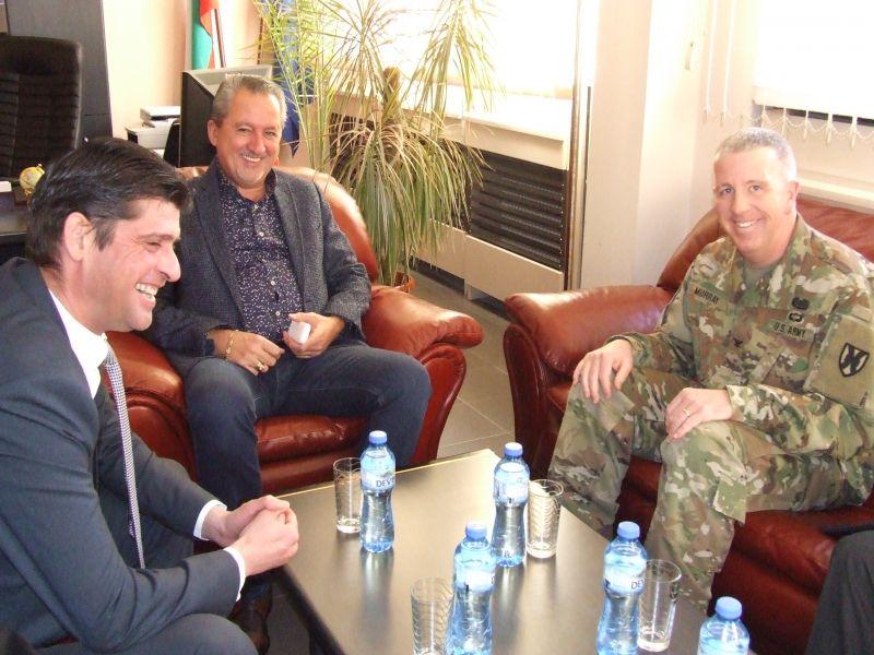 Командири от армията на САЩ се срещнаха с областния управител Чавдар Божурски, за да предложат сътрудничество