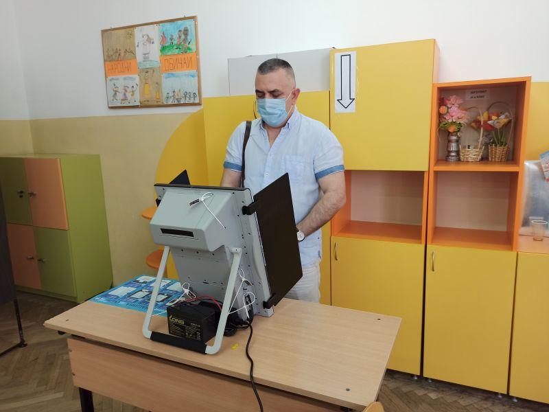 Стефан Радев: Гласувах за демокрацията, за разум и отговорност в политиката