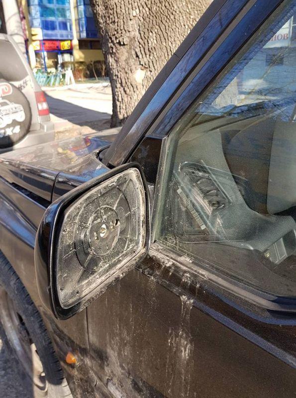 Отново и отново повредени коли и счупени огледала в Сливен